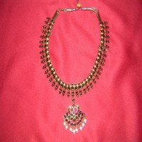 Necklace (poothali)